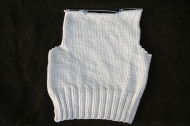 Back_of_cotton_tape_sweater