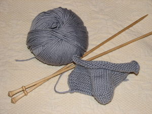 Finished_classic_cashmere_bootees_rowan_