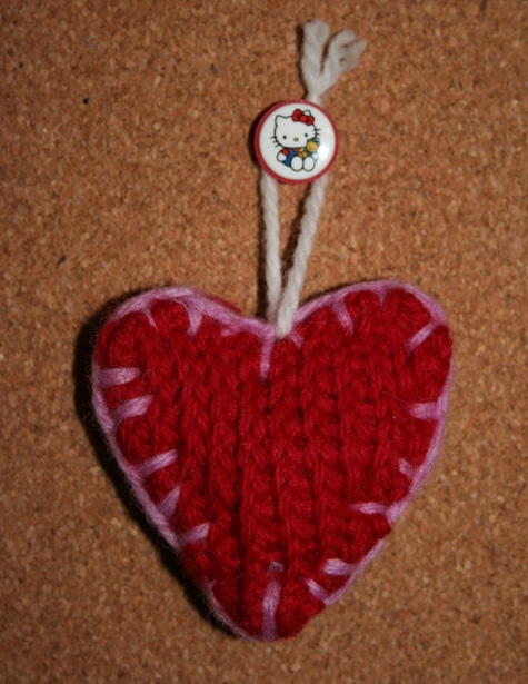 Knitted_heart_2