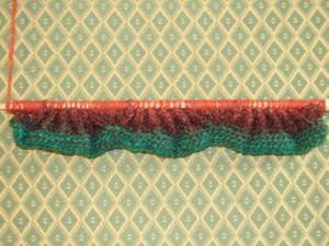 Scalloped_swatch_for_counterpane_carpet_