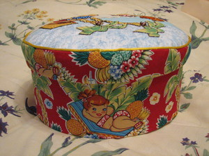 Sideview_of_sewing_box